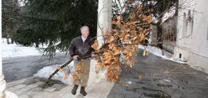 """Wigilijna tradycja palenia drzewka """"Bandjak"""""""
