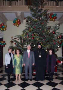 Para Królewska z gośćmi w Białym Królewskim Pałacu w Belgradzie