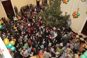 Wizyta gości honorowych i dzieci w Pałacu Królów Serbii
